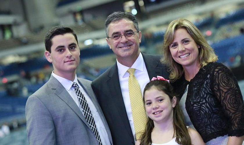 Pastor Erton e família