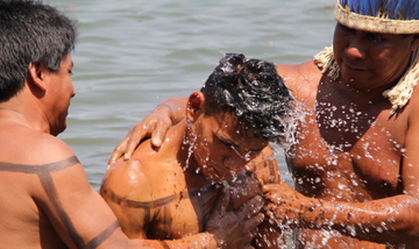 Batismo indígena em Tocantínia