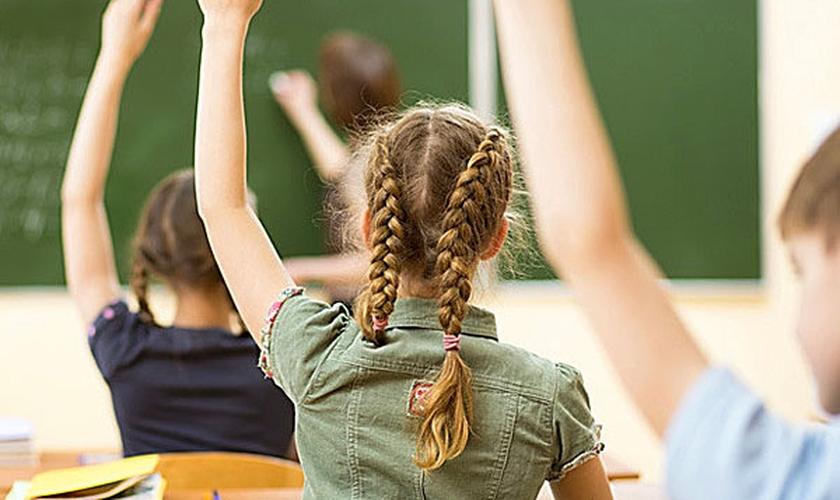 """Alunos de escolas públicas são obrigados a recitar que """"Alá é o único Deus"""". (Foto: WND)"""