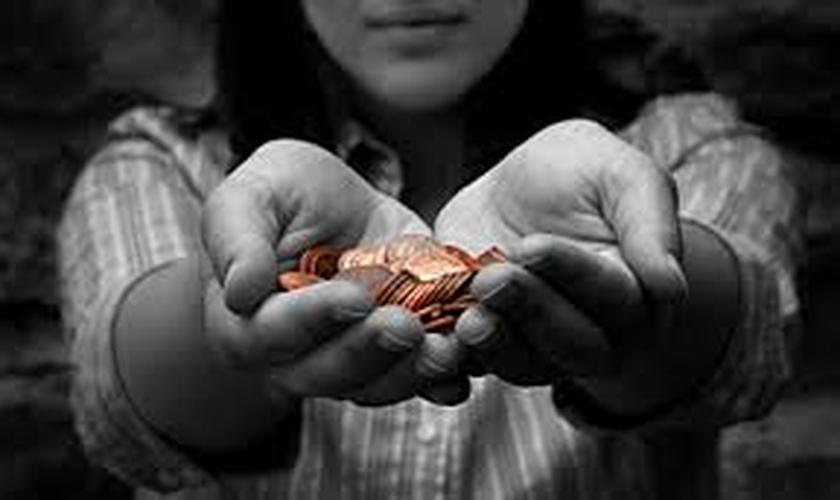 Removendo o momento financeiro dos cultos e a obrigatoriedade dos dízimo e ofertas