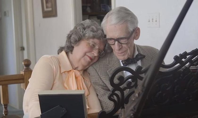 Comemoração de 60 anos de casamento 'Up'