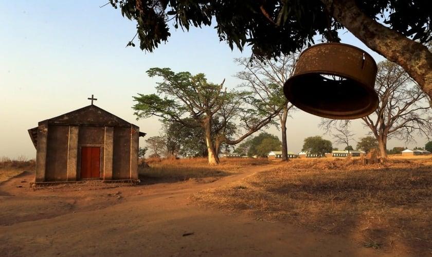 Igreja na aldeia de Odek, em Kampala, ao norte da Uganda. (Foto: Reuters/James Akena)