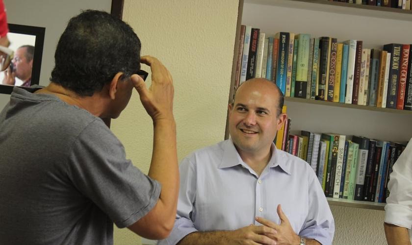 Prefeito Roberto Cláudio em visita a IBC (Foto: Thenille Lutz)