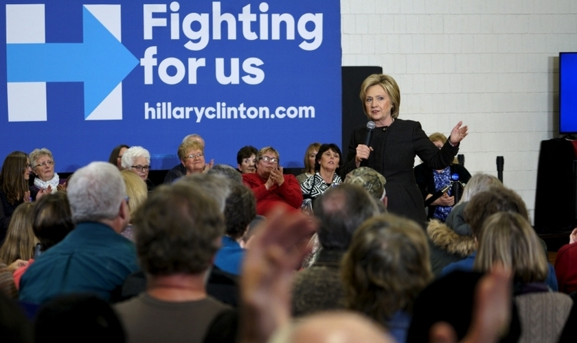 A candidata presidencial democrata Hillary Clinton fala em um evento de campanha em Knoxville, Iowa