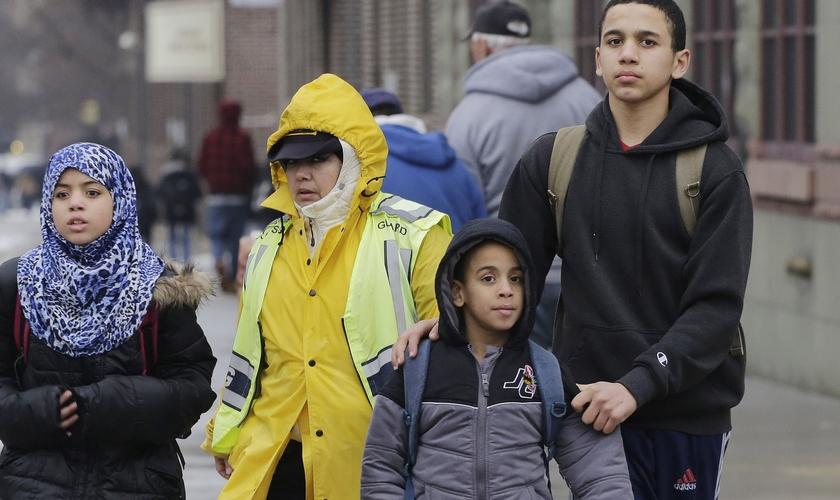 Os pais da garota acreditam que a escola estaria violando suas crenças cristãs. (Foto: USA Today)