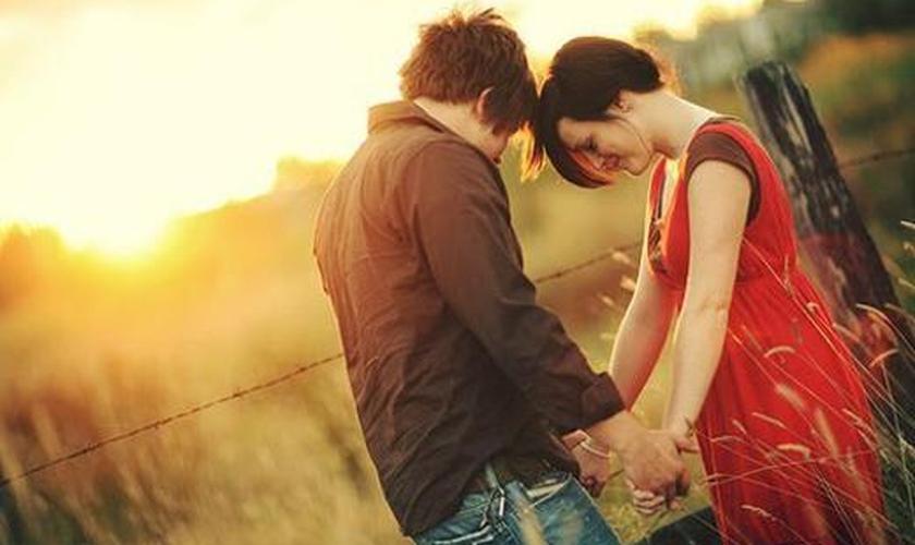 Pense sobre a sua oração como uma conversa com o seu melhor amigo. (Foto: Reprodução)