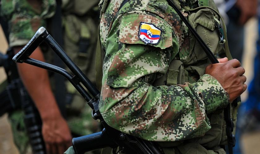 Jovens cristãos continuam sendo forçados por grupos armados ilegais ou militares. (Foto: Reprodução)