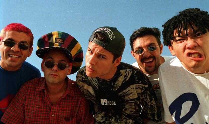 Em apenas nove meses, a banda vendeu mais de 1,2 milhão de discos. (Foto: Reprodução)