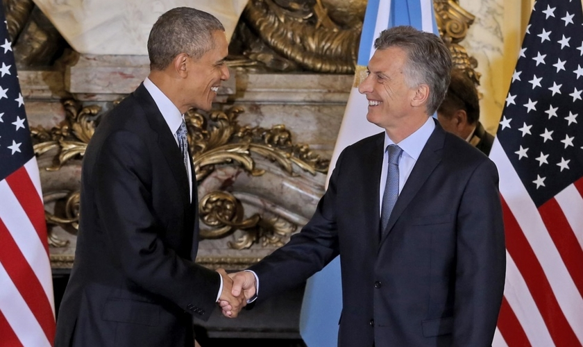 Com Macri ao seu lado, Obama disse também que os EUA querem reconstruir a confiança perdida com a Argentina. (Foto: AFP).