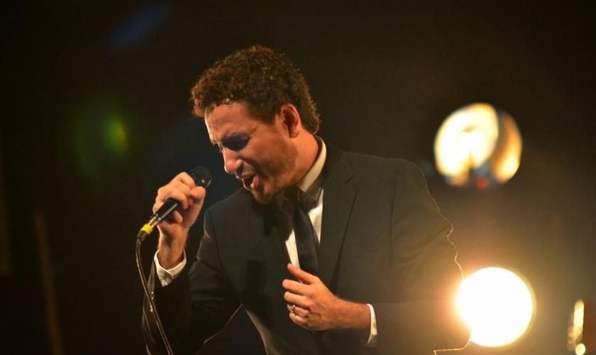 Leonardo Gonçalves tem 22 anos de carreira, como cantor e compositor e é atualmente, um dos grandes nomes da música brasileira. (Foto: Divulgação)