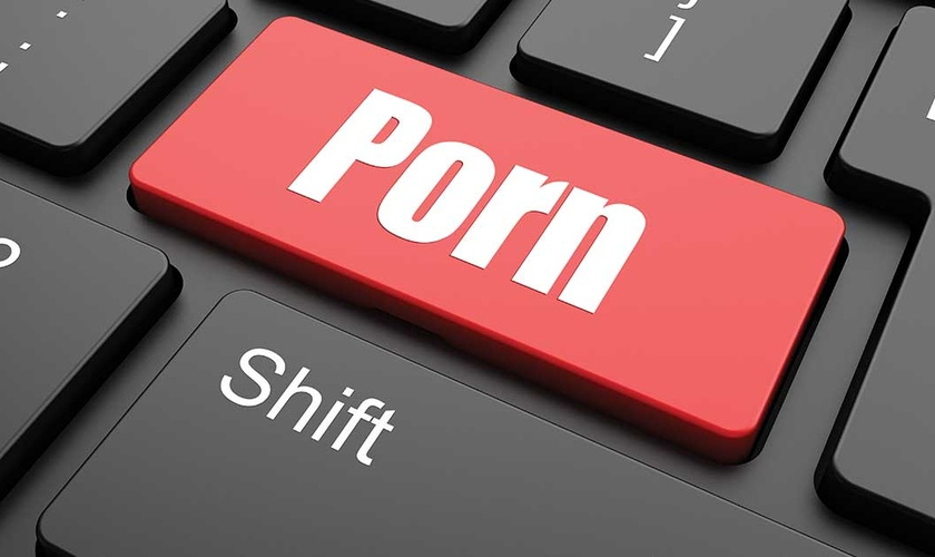 A pornografia ganhou ainda mais força com a modernização da internet. (Foto: DrugRehabFL)