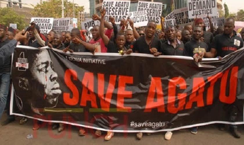 Nigerianos protestam contra a violência na região de Agatu.