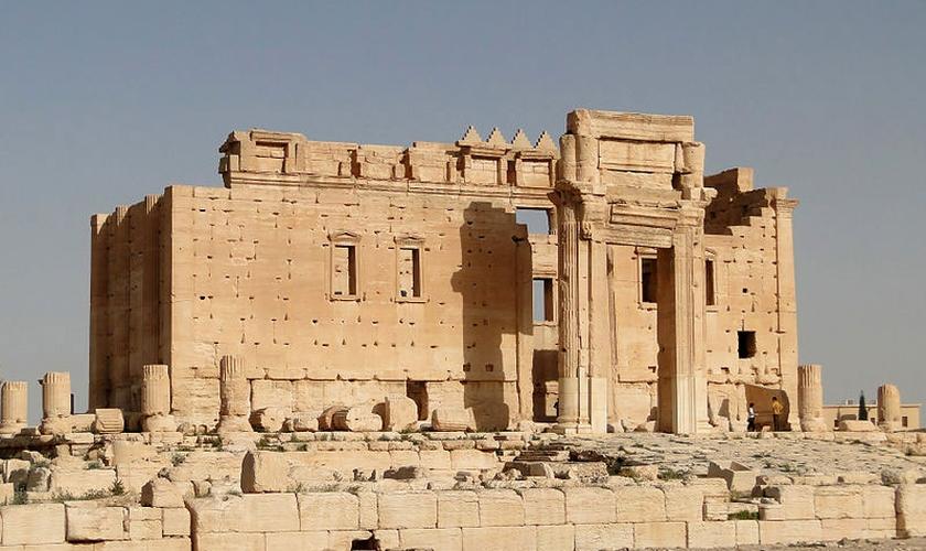 Templo de Baal já parcialmente em ruínas, na cidade de Palmyra / Síria. (Foto: Bernard Gagnon / Wikimedia Commons)