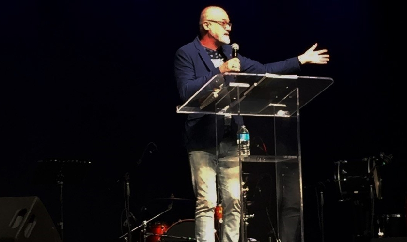 Doutor James Goll é presidente da organização 'Encounters Network' e diretor dos ministérios 'Prayer Storm' e 'Encounters Training' (Foto: Marcos Corrêa / Guiame)