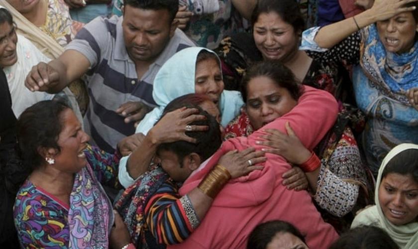 O exército com o qual o marido de Mushtaq serve não ofereceu muita proteção para sua família. (Foto: Reprodução).
