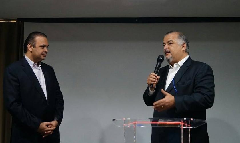 Roberto de Lucena recebe o vice governador de SP, Márcio França. (Foto: Facebook)