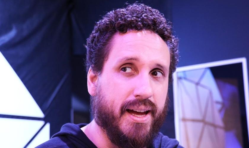 Leonardo Gonçalves em entrevista ao Guiame durante o Encontro de Mídias e Lojistas da Sony Music. (Foto: Guiame/ Marcos Paulo Corrêa)