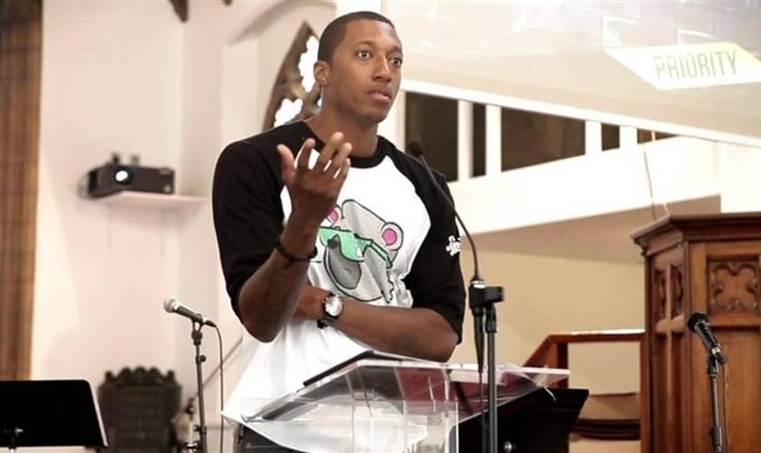 Apesar de sua nova fé, Lecrae disse que ainda tinha um monte de pecado que ele estava lutando contra. (Foto: Reprodução).