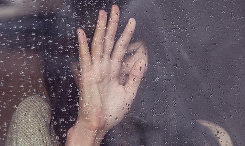 Em tempos difíceis de nossas vidas, todos nós precisamos saber que Deus pode se relacionar com a nossa dor. (Foto: Pixabay)