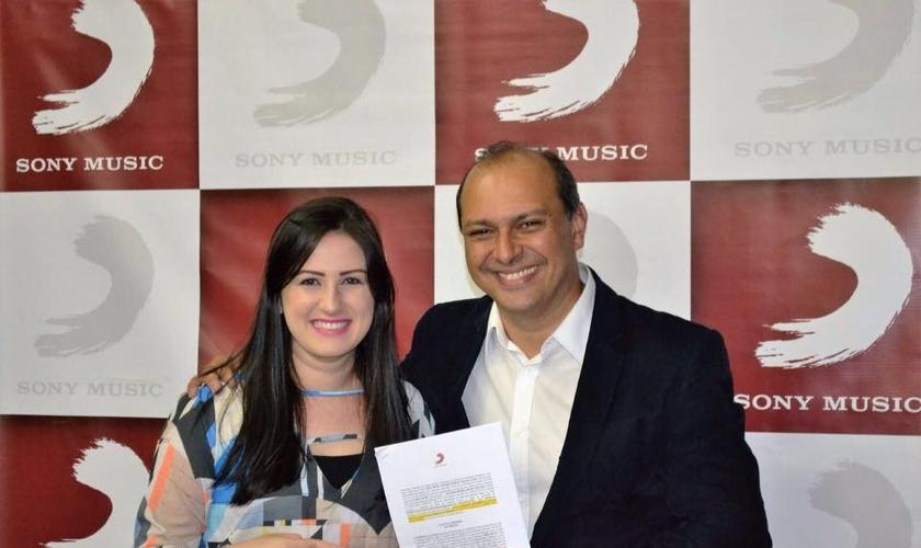 Raquel é uma representante do estilo pop-pentecostal . (Foto: Divulgação).
