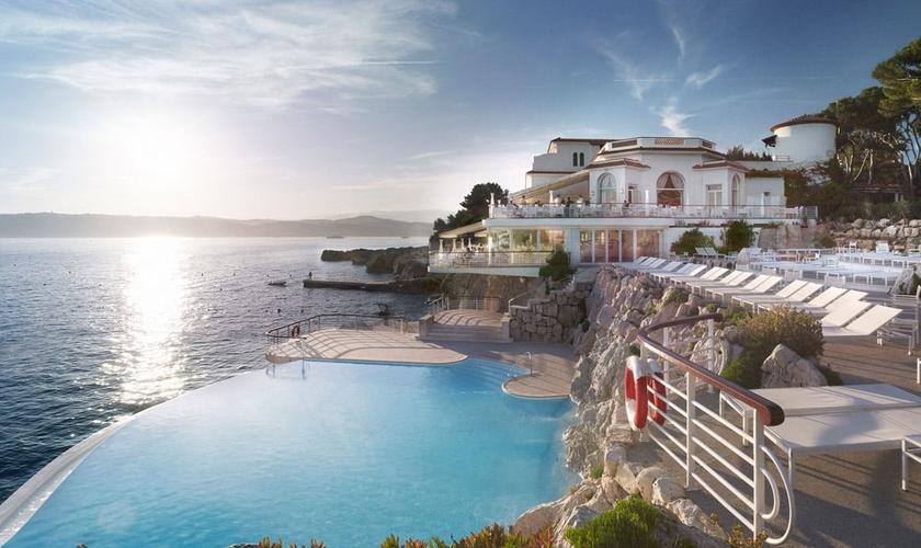 Hotel du Cap Eden Roc, localizado em Riviera Francesa, no litoral da França. (Foto: Reprodução)