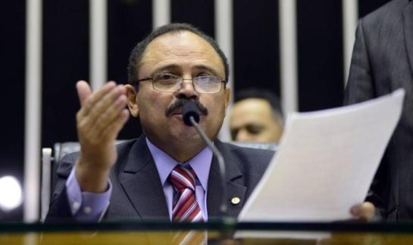 Na última segunda-feira, Calheiros decidiu ignorar a decisão do presidente em exercício da Câmara. (Foto: Agência Brasil).