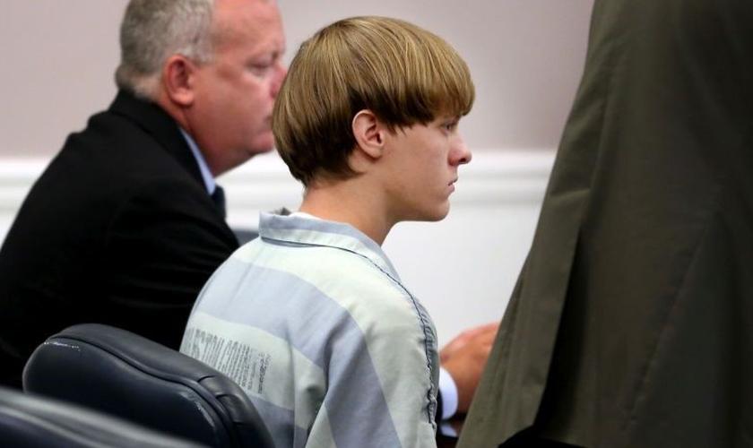 Dylan Roof, 22 anos, pode ser condenado à pena de morte, por sua autoria na execução brutal de 9 pessoas, em uma igreja da cidade de Charleston. (Foto: Gawker)
