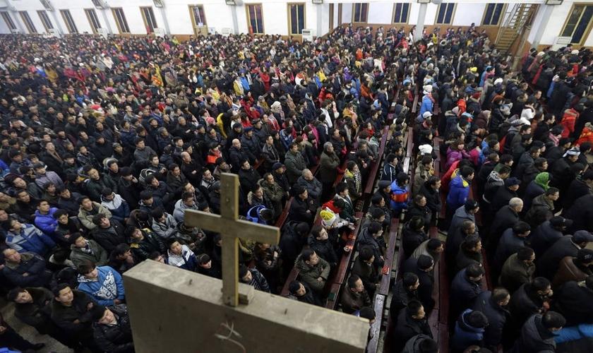 Cerca de 1.700 igrejas foram demolidas ou tiveram suas cruzes removidas ao longo dos últimos dois anos, na China. (Foto: China Aid)