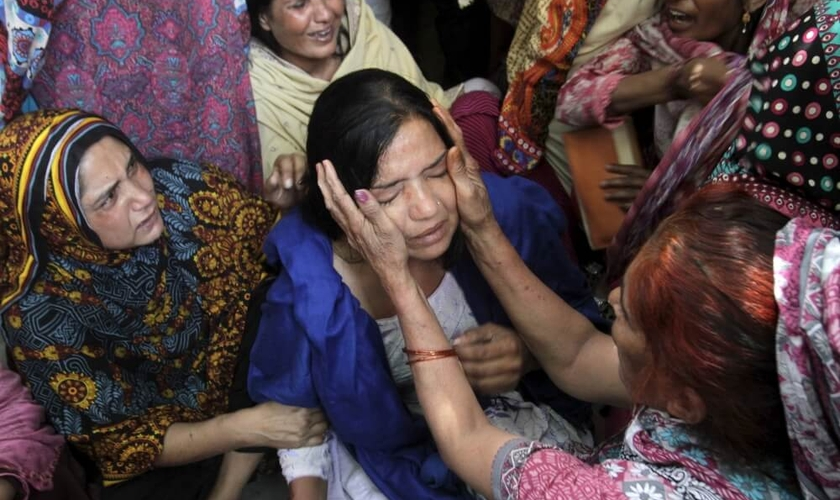 """Matar """"em nome da honra"""" é um grande problema no Paquistão, considerando até 11.000 mulheres foram mortas no ano passado. (Foto: Reuters)"""
