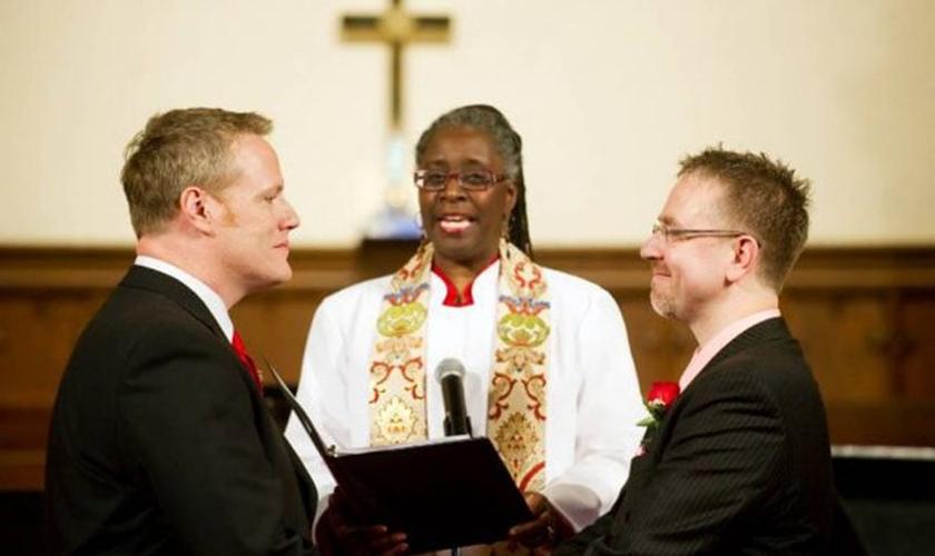 Resultado de imagem para igrejas evangélicas casamento gay