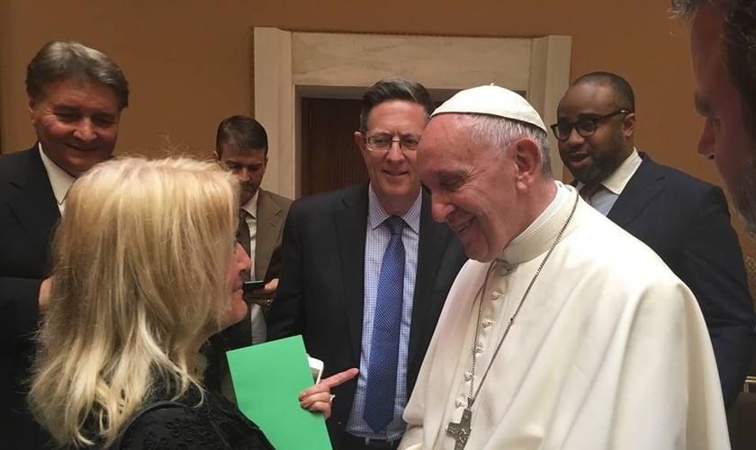 Stacey Campbell esteve entre os líderes presentes no Vaticano para um diálogo sobre o cristianismo. (Foto: Reprodução/Facebook)