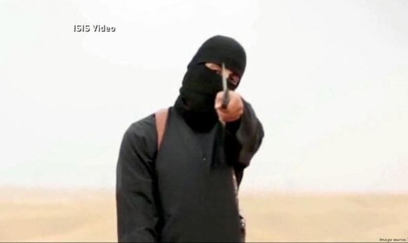 Vários relatórios sobre atrocidades cometidas pelo Estado Islâmico têm surgido nos últimos dois anos, desde que o EI assumiu vastos territórios no Iraque e na Síria. (Imagem: Youtube / Captura de tela)
