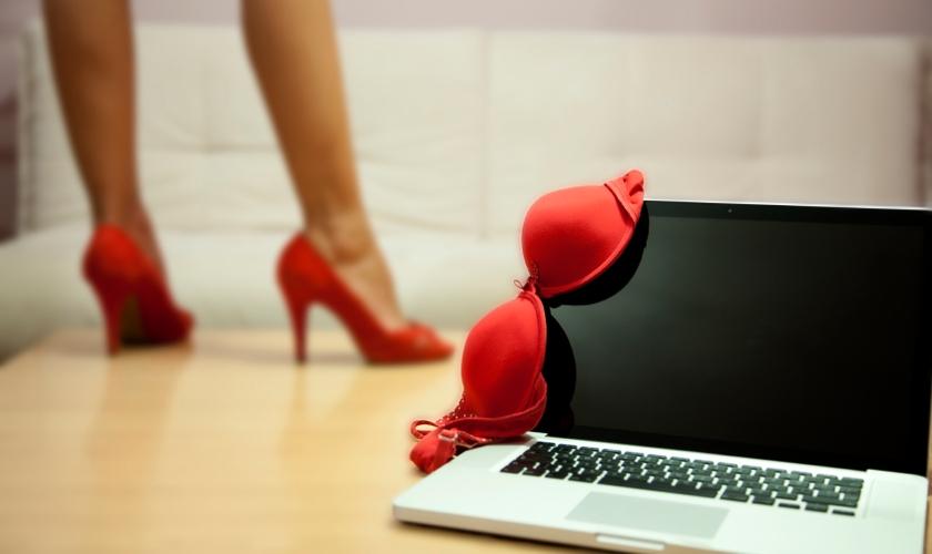 """A maioria dos viciados em pornografia consomem conteúdos sexuais por meio dos """"clickbaits"""". (Foto: iStock/Getty Images)"""