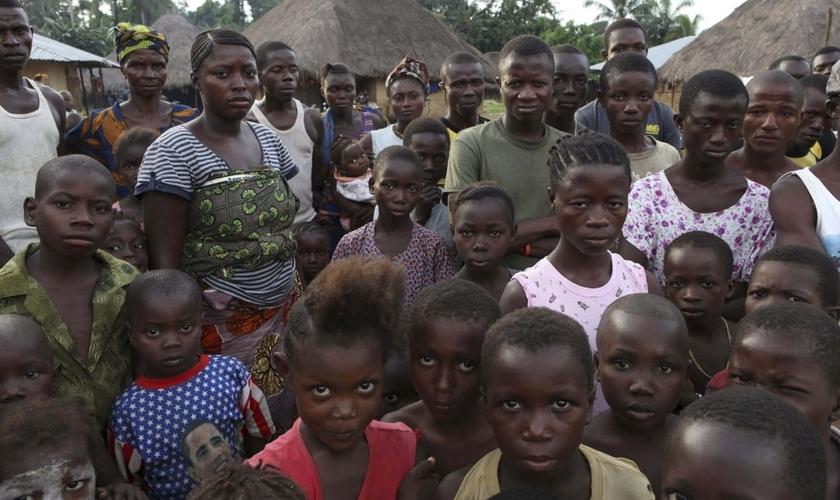 A organização está pedindo centenas de Bíblias para atender a fome espiritual dos novos cristãos. (Foto: Reuters).