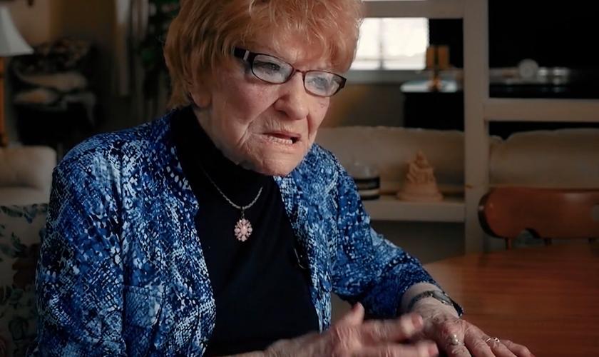 Em 1955, ela começou sua própria igreja num momento em que poucas mulheres ficavam no púlpito. (Foto: Reprodução).