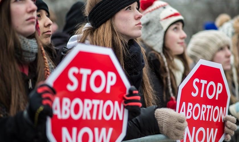 Mulheres protestam contra o aborto nos EUA. (Foto: WordPress)