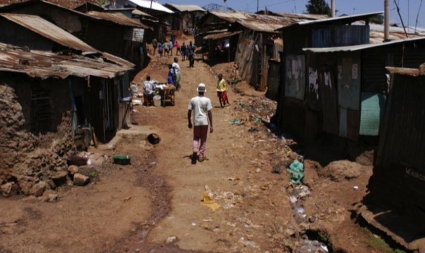 Os cristãos no Quênia são alvo frequente de perseguição religiosa. (Foto: Reprodução).