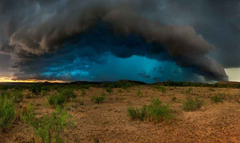 Imagem ilustrativa. Uma tempestade surgiu em volta da igreja e atingiu os extremistas. (Foto: Matt Granz/Good WP)