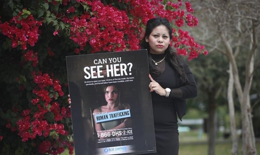Rosa Castillo foi vítima do tráfico humano e hoje trabalha para conscientizar a todos sobre este crime. (Foto: Palm Beach Post)