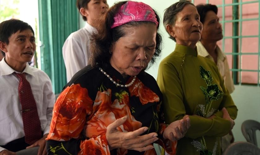 Esther disse que quando o comunismo chegou em seu país, afetou consideravelmente a questão da liberdade religiosa. (Foto: Portas Abertas).
