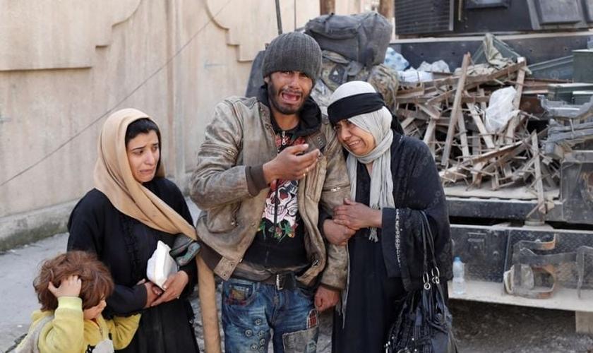 """As crianças doutrinadas pelo EI são chamadas de """"Cubs"""" do Califado. (Foto: Reuters)."""