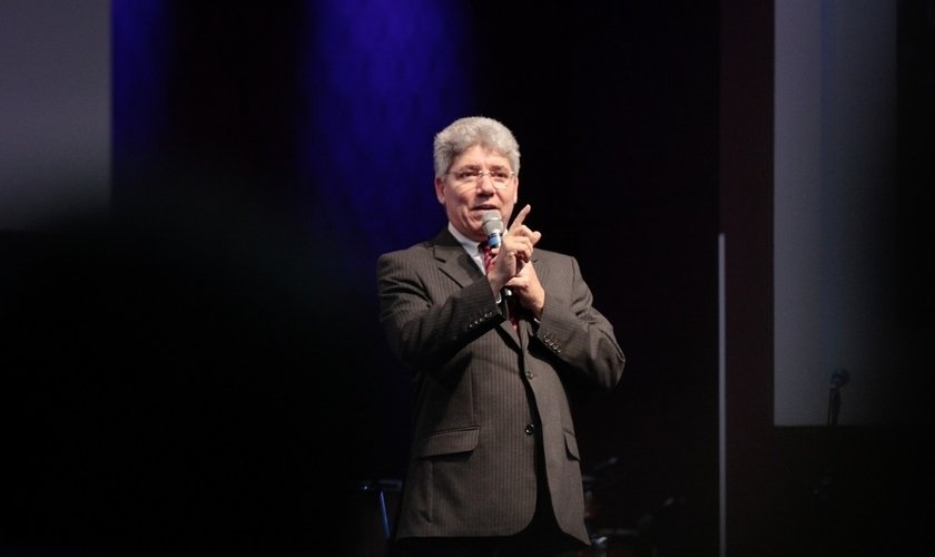 O pastor Hernandes Dias Lopes diz que fomos chamados para uma experiência profunda de avivamento. (Foto: Reprodução)