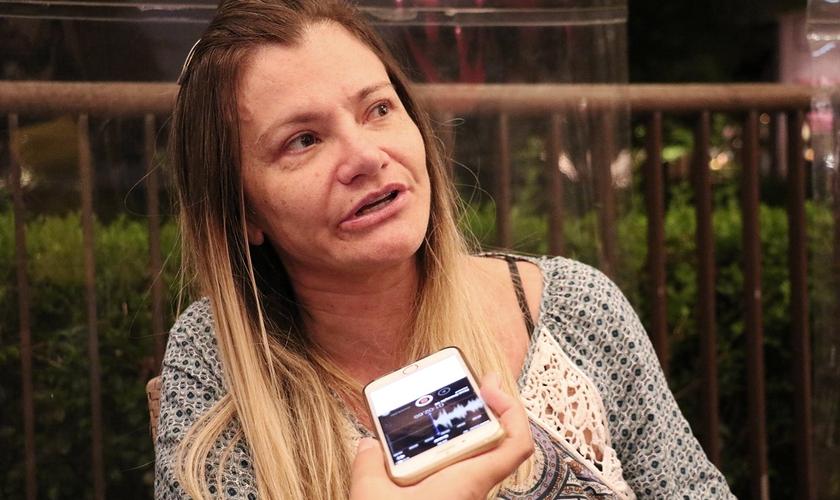 """Priscila Seixas em entrevista ao Guiame na pré-estreia do filme """"A Cabana"""". (Foto: Guiame/Marcos Paulo Correa)"""