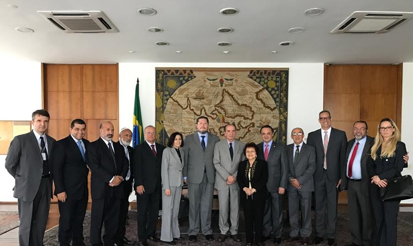 Líderes evangélicos se reuniram com o ministro das relações exteriores, Aloysio Nunes. (Foto: Assessoria de Imprensa)