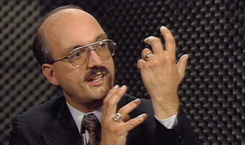 Chuck conta que não desligava sua rádio nem por um segundo e que sabia que poderia enfrentar um bombardeio. (Foto: Reprodução).