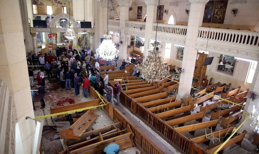 Ataque deste domingo deixou pelo menos 22 pessoas mortas em igreja copta do Egito. (Foto: Khaled Elfiqi/European Pressphoto Agency)