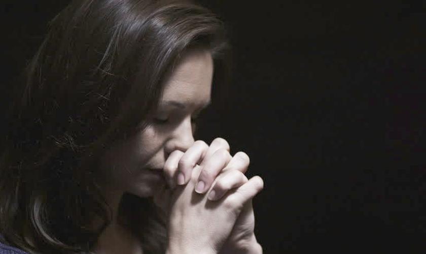 Imagem ilustrativa. Mãe foi impactada pela mudança que Jesus fez na vida do filho. (Foto: Shutterstock)