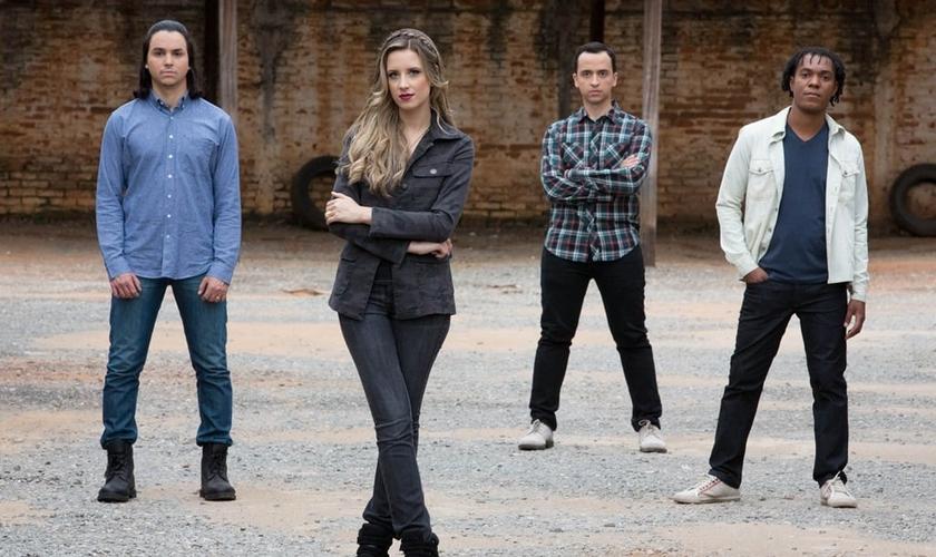 As gravações do clipe foram realizadas em Goiânia e contaram com as participações dos jovens da Igreja Fonte da Vida. (Foto: Divulgação).