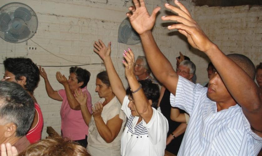 Nos últimos anos, a CSW tem se concentrado na perseguição de cristãos em países tão diversos como o Paquistão, China e Cuba. (Foto: Reprodução).