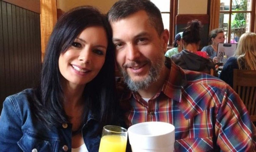 Crissy e seu marido, Lawton Outlaw. (Foto: Facebook)
